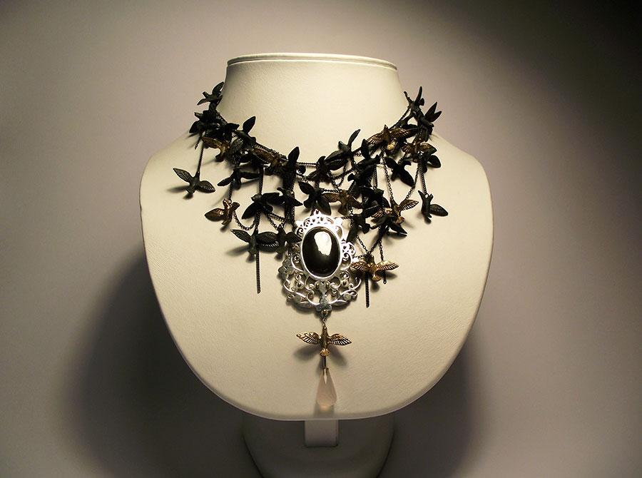 bird-neckpiece